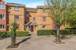 2 Bedrooms House for sale in Franklin Way, Croydon