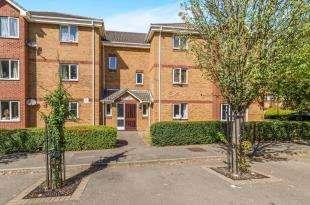 2 Bedrooms Flat for sale in Franklin Way, Croydon