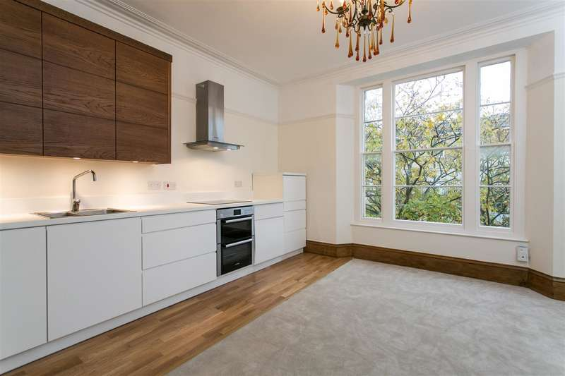 2 Bedrooms Flat for sale in Hampton Road, Redland