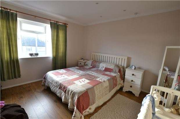 3 Bedrooms Semi Detached House for sale in Grovelands Road, BR5
