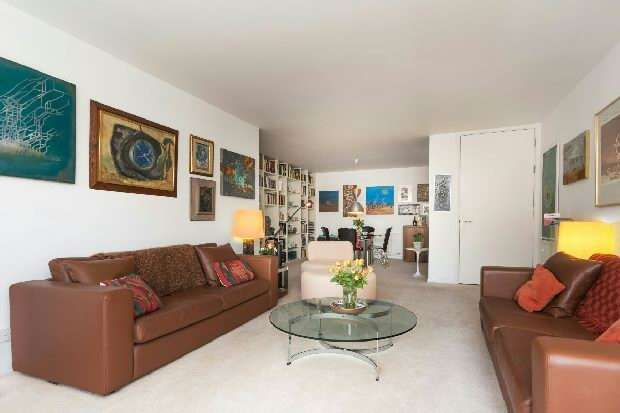 2 Bedrooms Flat for sale in Darwin Court, Gloucester Avenue, Primrose Hill, NW1
