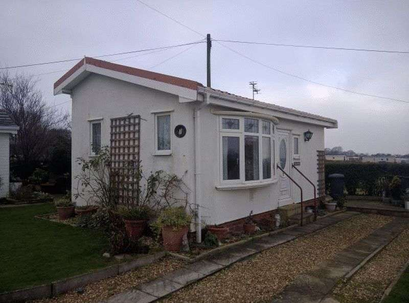 1 Bedroom Bungalow for sale in 7 Riverside Chalet Park, Occupation Lane, Poulton-Le-Fylde, Lancashire, FY6 7RA