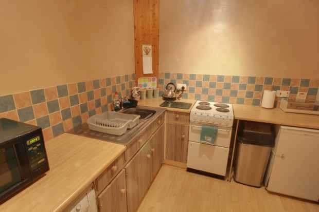 1 Bedroom Flat for sale in Hallam Cliffe, Sheffield, South Yorkshire, S5 7AY