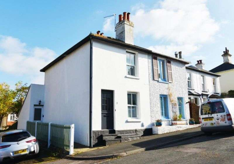 2 Bedrooms Property for sale in Harrow Close, Dorking