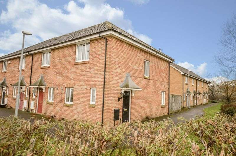 2 Bedrooms House for sale in Carmel Walk, New College Estate