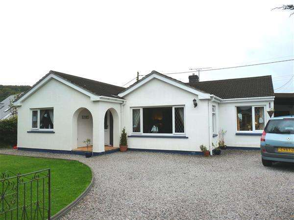 4 Bedrooms Property for sale in Manorfa, Llanllwch, Carmarthen
