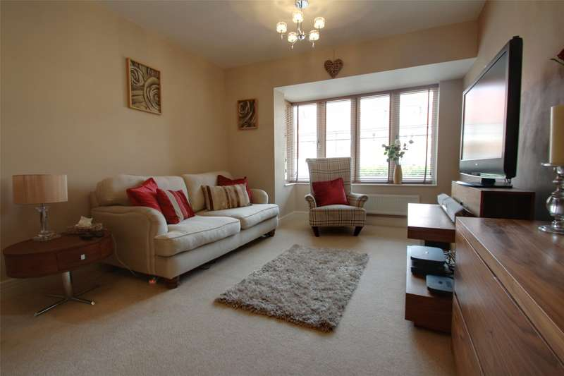 4 Bedrooms End Of Terrace House for sale in St. Anns Mews, Chertsey, Surrey, KT16