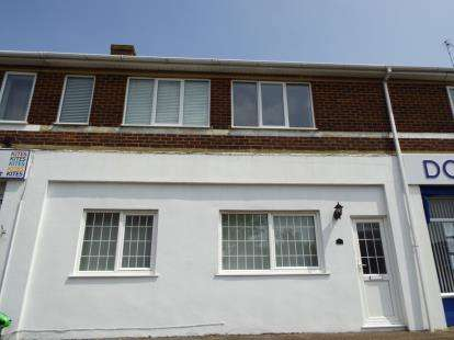 2 Bedrooms Flat for sale in Hengistbury Head, Southbourne, Bournemouth, Dorset