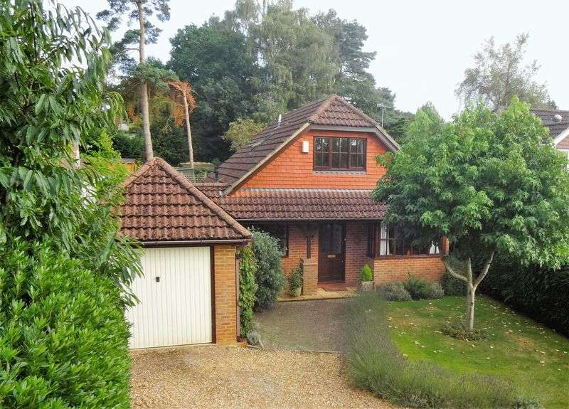 3 Bedrooms Detached House for sale in Downsview Road, Headley Down