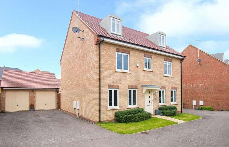6 Bedrooms Detached House for sale in Winchcombe Meadows, Oakridge Park