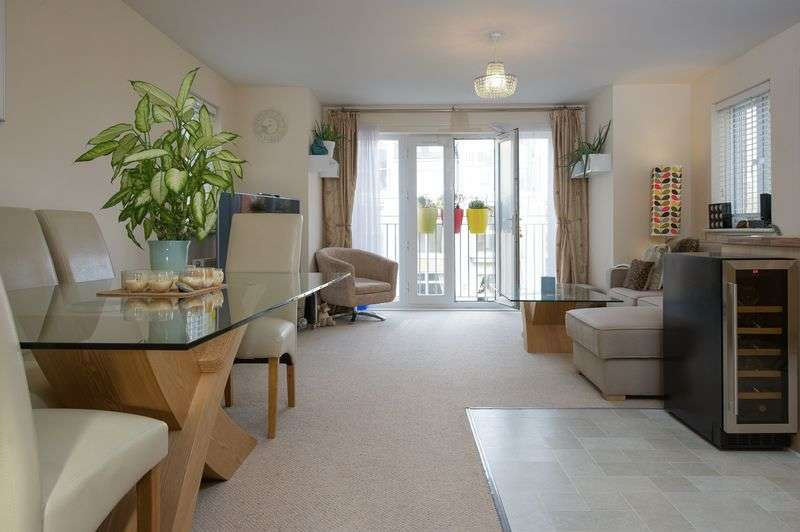 3 Bedrooms Flat for sale in Eynesbury, St Neots
