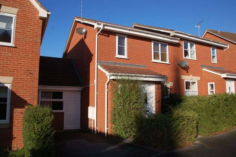 4 Bedrooms Semi Detached House for sale in Stutts End, Taunton