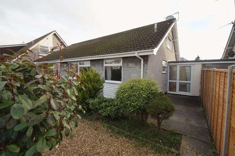 2 Bedrooms Semi Detached Bungalow for sale in Penmoor Road, Berrow