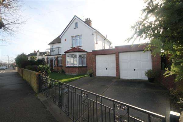 4 Bedrooms House for sale in Skelmersdale Road, East Clacton