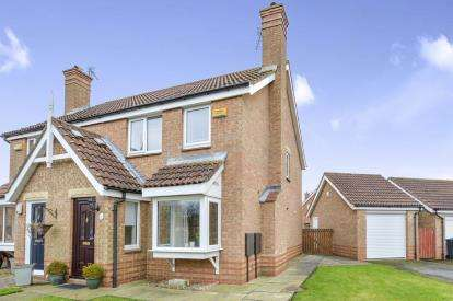 3 Bedrooms Semi Detached House for sale in Jackson Drive, Stokesley, North Yorkshire