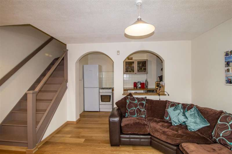 1 Bedroom Terraced House for sale in Friars Avenue, London