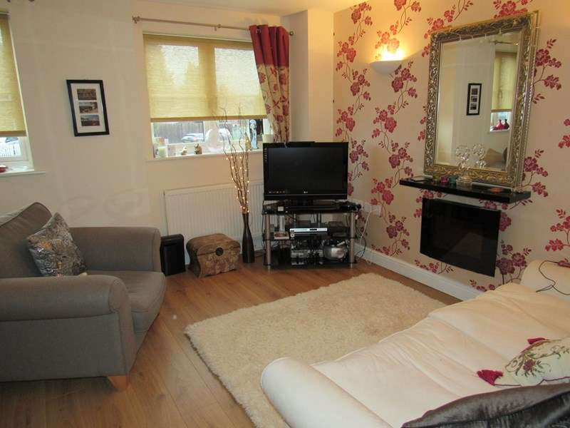 2 Bedrooms Terraced House for sale in Scott Road, Solihull