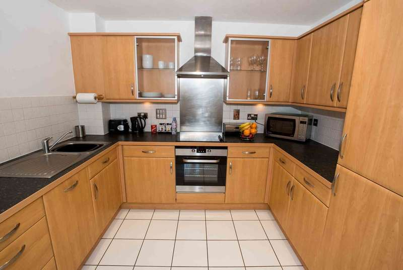 2 Bedrooms Serviced Apartments Flat for rent in Riverside House, Reading
