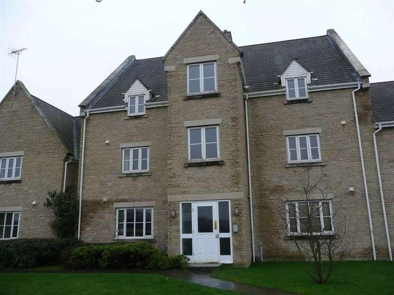 2 Bedrooms Apartment Flat for sale in Callington Road, Oakhurst, Swindon