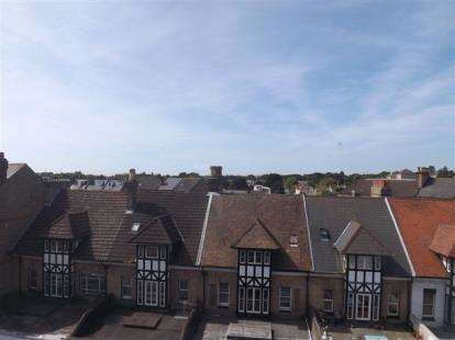 2 Bedrooms Flat for sale in 92-96 Poole Road, Bournemouth, Dorset