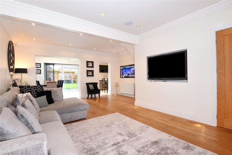 4 Bedrooms End Of Terrace House for sale in Bempton Drive, Ruislip Manor, Middlesex, HA4