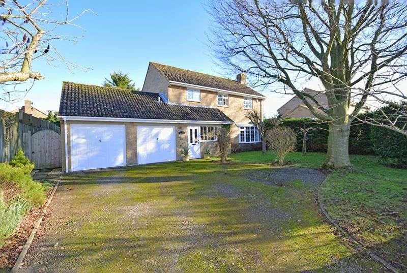 4 Bedrooms Detached House for sale in Milborne Port