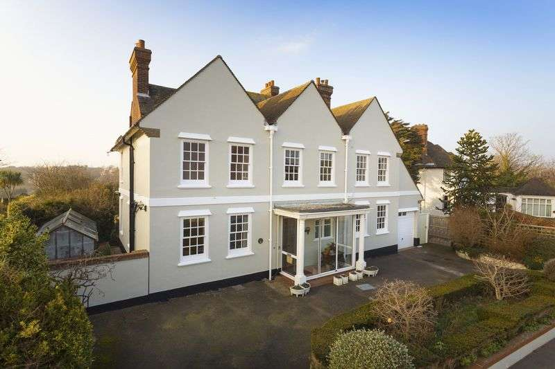 5 Bedrooms Detached House for sale in Folkestone