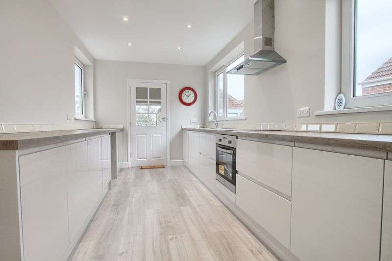 3 Bedrooms Semi Detached House for sale in The Oval, Brookfield - Acklam