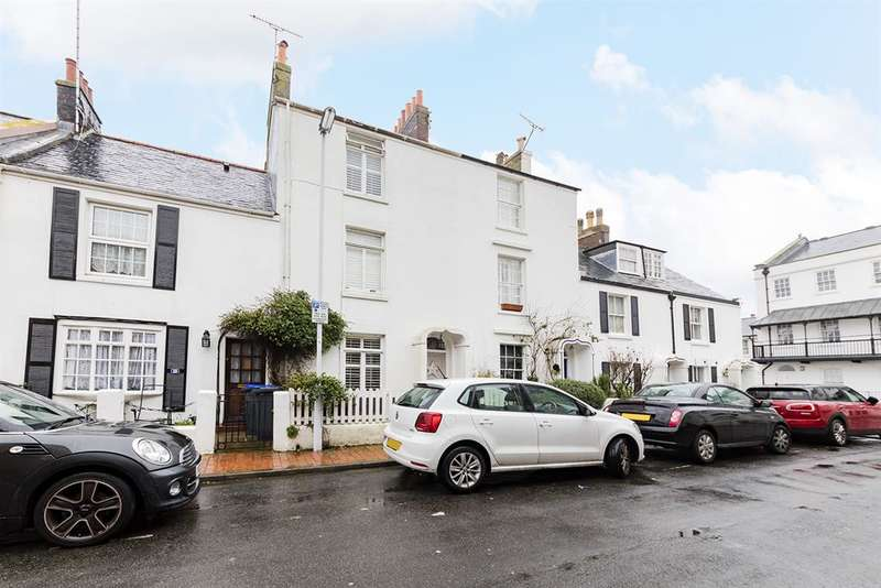 4 Bedrooms Terraced House for sale in Alfred Place, Worthing, , BN11 3EP