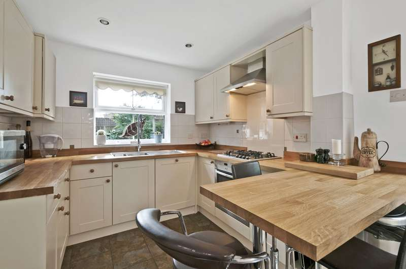 4 Bedrooms Detached House for sale in Friesian Way, Kennington, Ashford, TN24