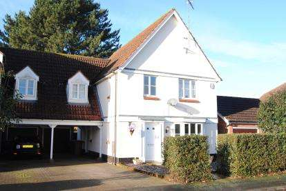 4 Bedrooms Link Detached House for sale in South Wootton, Kings Lynn
