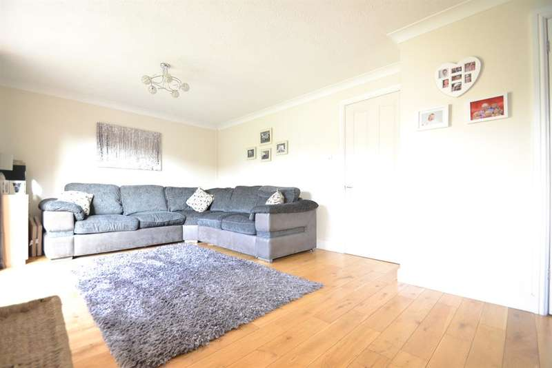 5 Bedrooms Semi Detached House for sale in Chilberton Drive, Merstham, Surrey, RH1 3HL