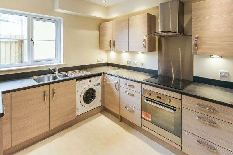 2 Bedrooms House for sale in Seaford Sands, Roundham Road, Paignton