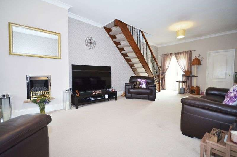 3 Bedrooms Terraced House for sale in 2 Alpine Street, Newton-Le-Willows, WA12 9DL