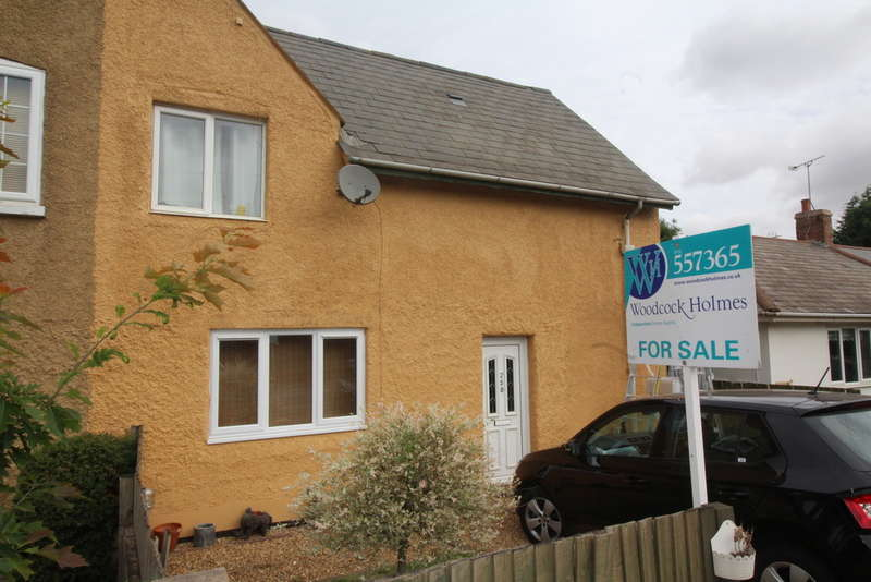 3 Bedrooms Semi Detached House for sale in Peterborough Road, Whittlesey, PE7 1PJ