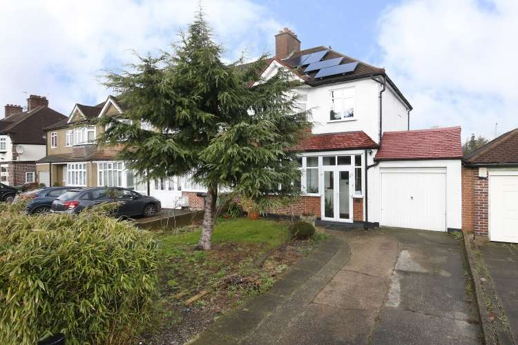 3 Bedrooms Semi Detached House for sale in Horncastle Road Lee SE12