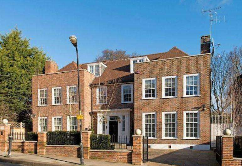 7 Bedrooms Terraced House for sale in Frognal Hampstead NW3