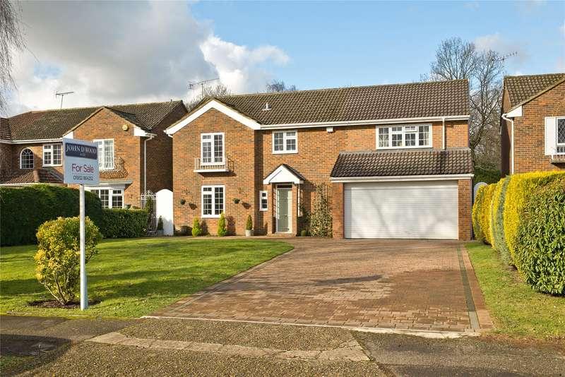 4 Bedrooms Detached House for sale in Somerville Road, Cobham, Surrey, KT11