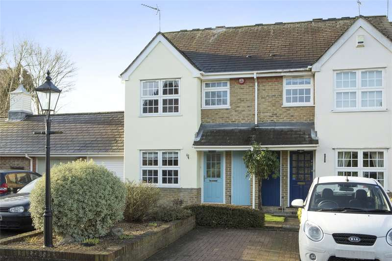 3 Bedrooms End Of Terrace House for sale in Ravenswood Close, Cobham, Surrey, KT11