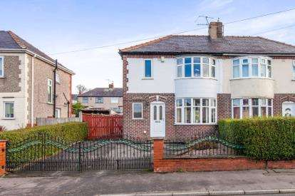 3 Bedrooms Semi Detached House for sale in Morse Street, Burnley, Lancashire