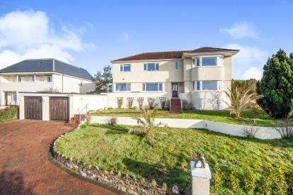 5 Bedrooms Detached House for sale in Kingskerswell, Newton Abbot, Devon