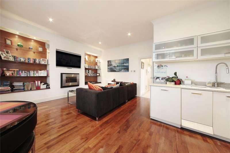 2 Bedrooms Flat for sale in Clapham Common South Side, Flat 3, Clapham South, London, SW4