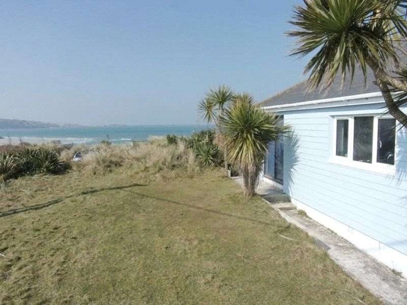 3 Bedrooms Detached Bungalow for sale in Riviere Towans, Hayle