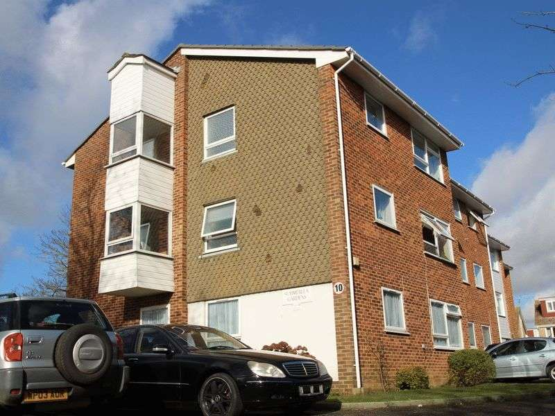 2 Bedrooms Flat for sale in Summerlea Gardens, Littlehampton