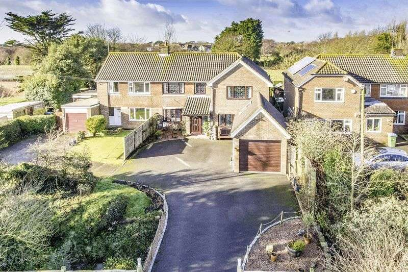 4 Bedrooms Detached House for sale in East Preston