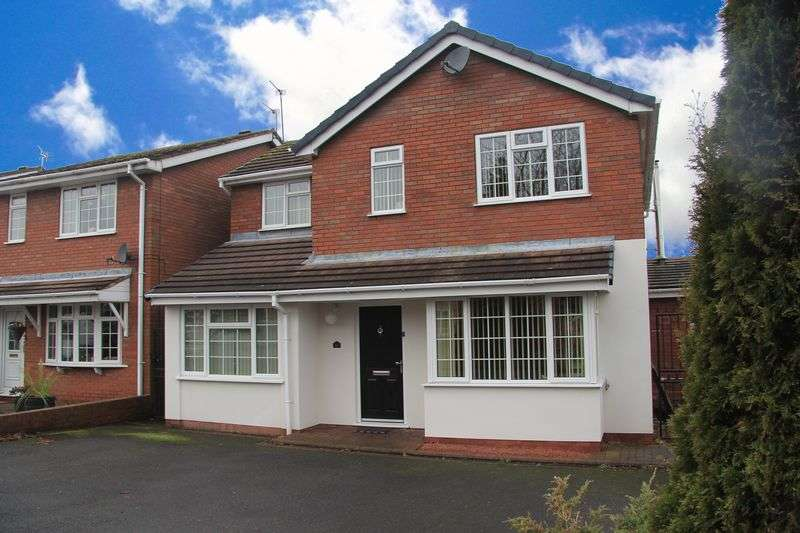 4 Bedrooms Detached House for sale in Wren Avenue, Perton, Wolverhampton
