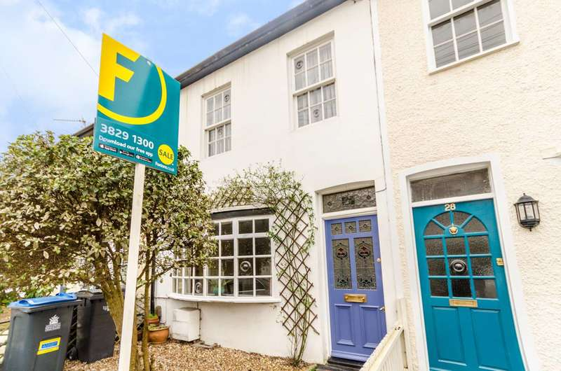 3 Bedrooms Terraced House for sale in Cleaveland Road, Surbiton, KT6