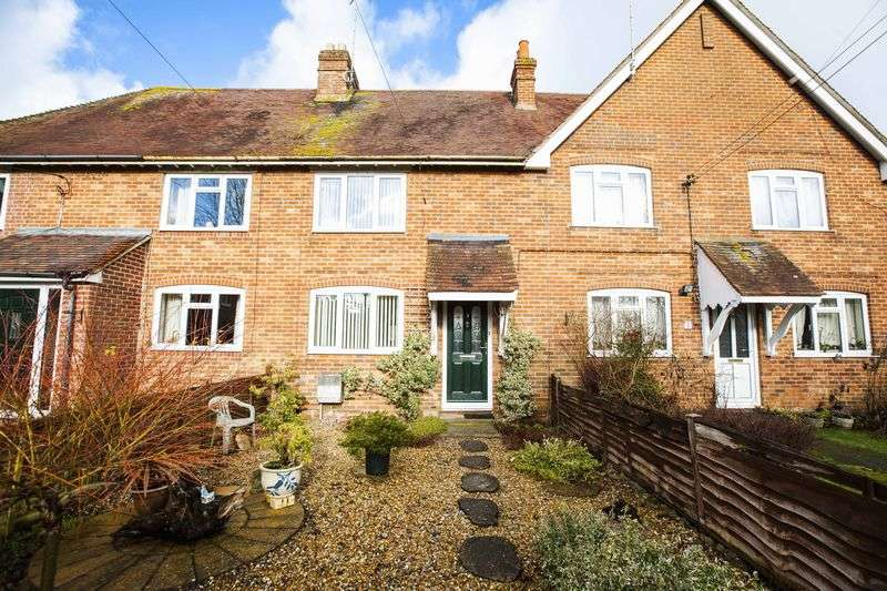 2 Bedrooms Terraced House for sale in The Crescent, Bramley