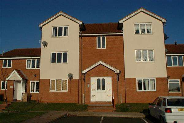 2 Bedrooms Apartment Flat for sale in Foxdale Drive, Brierley Hill, Dudley