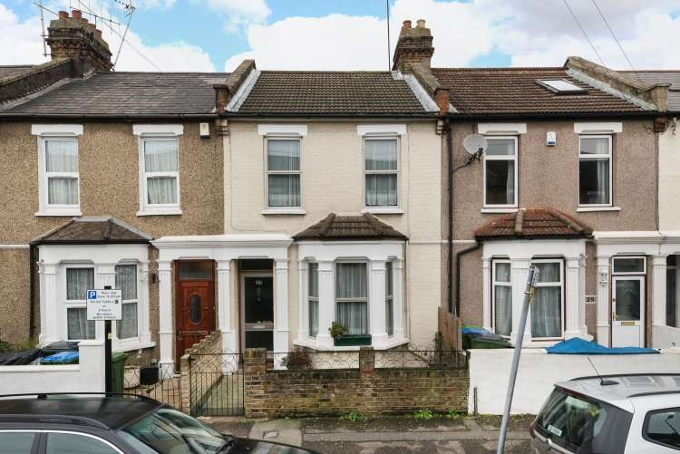3 Bedrooms Terraced House for sale in Rathmore Road London SE7